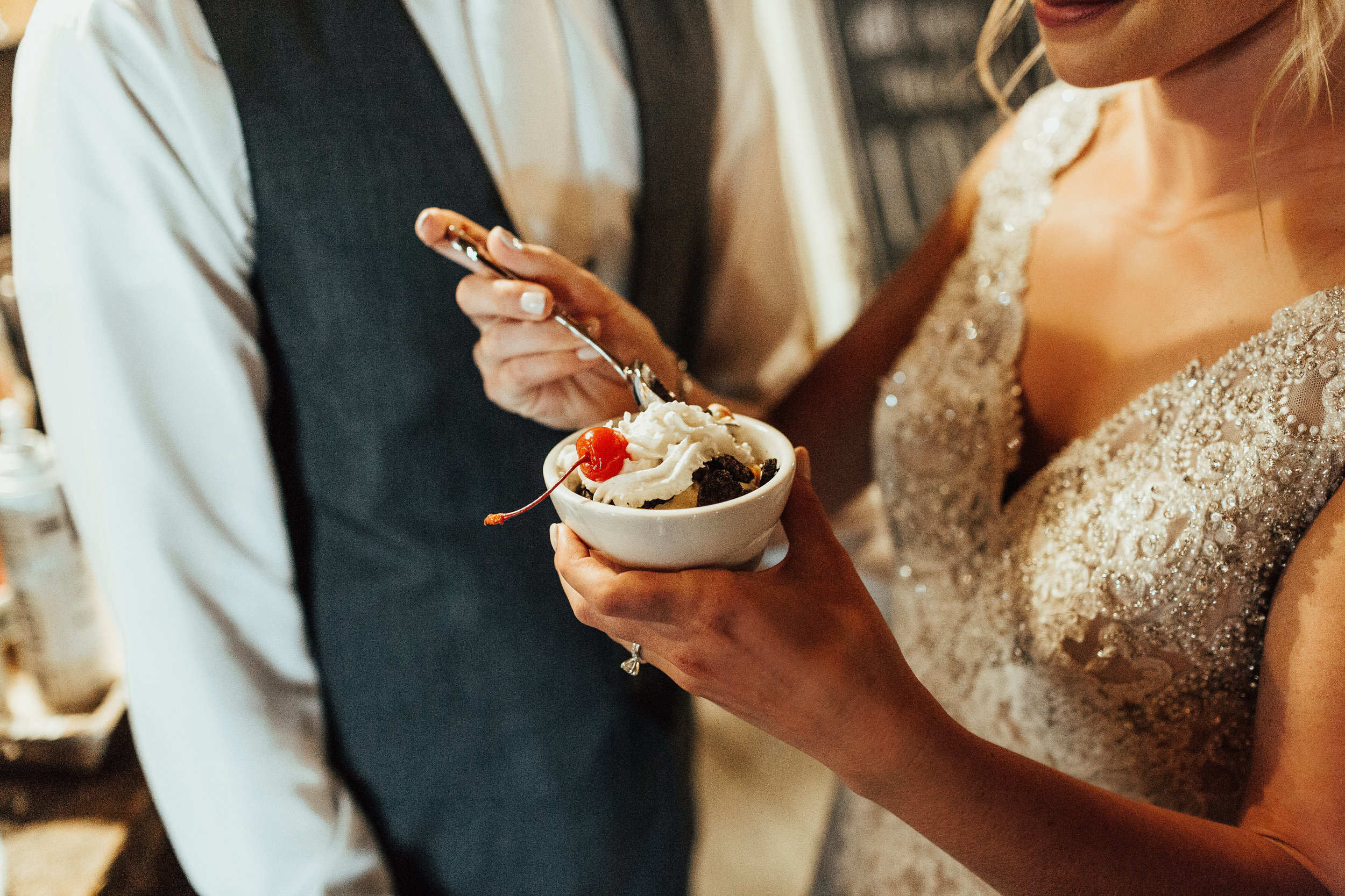 Janelle Elise Photography | Sixpence Events day of coordinating | wedding blog | bridgeman's ice cream | wedding planned and rentals by A Vintage Touch Weddings