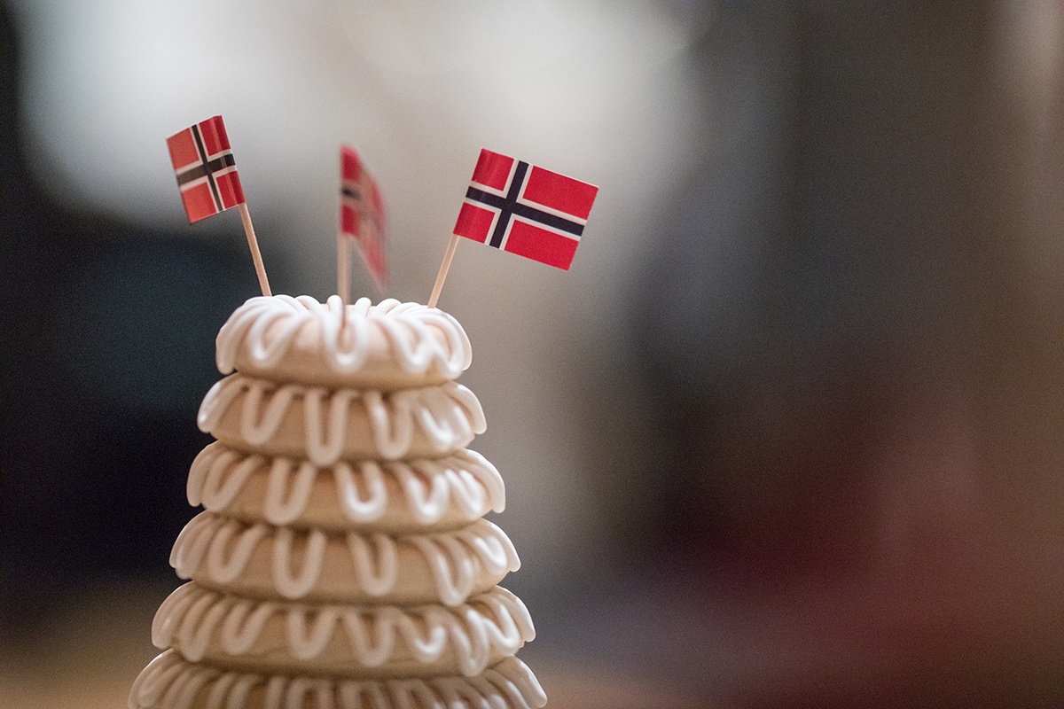 Kransekake cake Norwegian wedding from Swedish crown bakery | Brian Bossany Photography | Sixpence Events & Planning wedding blog and day of coordinating | American Swedish Institute