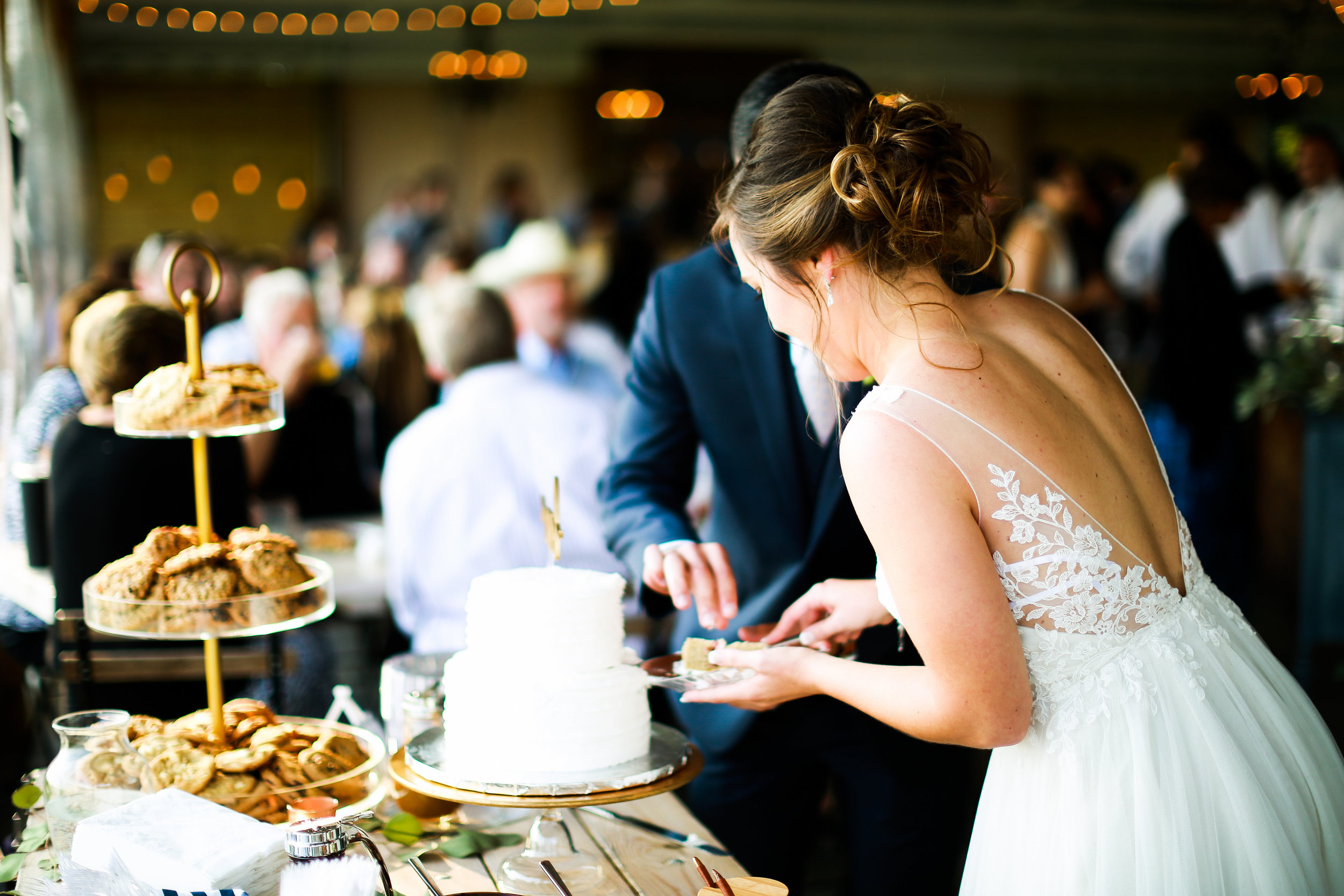 Jenna Kevin Wedding   Sixpence Events day of coordinating   Hannah Schmitt Photography   Legacy Hill Farm   dessert bar with cheesecake and cookies