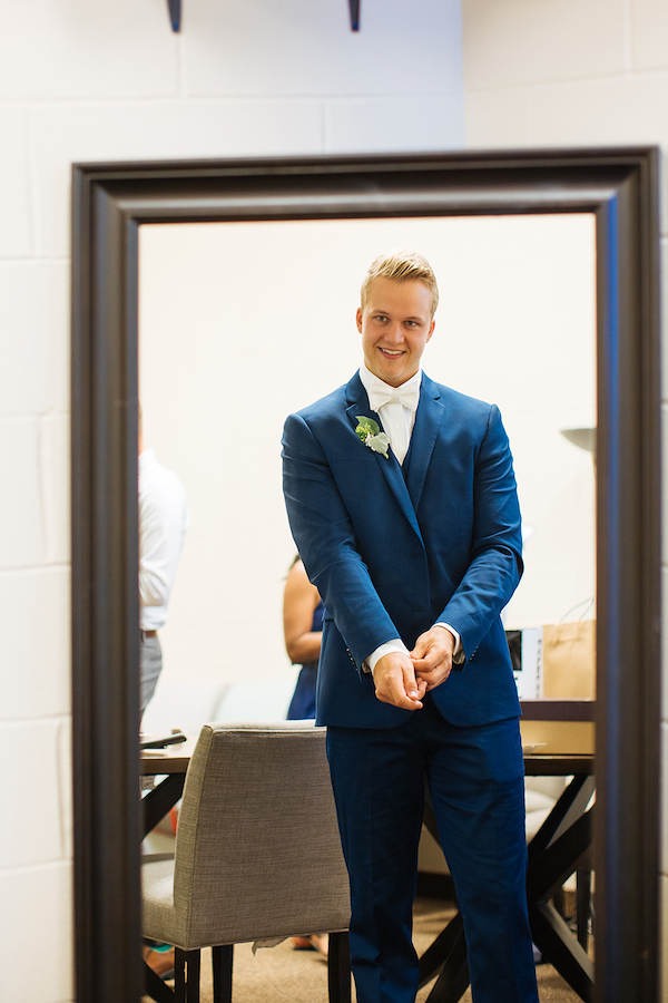Hailey and Hunter | Alyssa Lee Photography | Sixpence Events & Planning | groom getting ready picture | bright blue suit