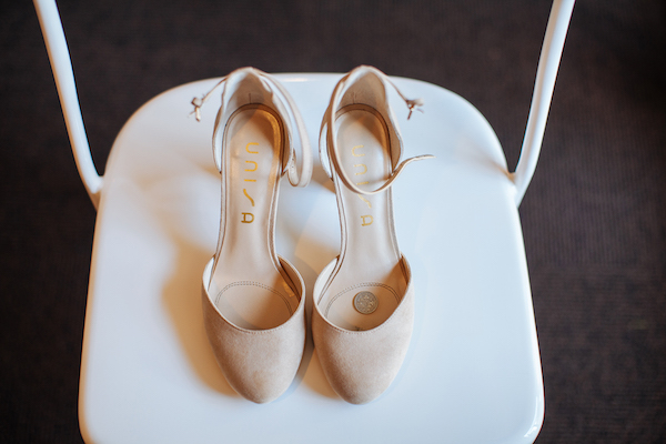 Hailey and Hunter | Alyssa Lee Photography | Sixpence Events & Planning | shoes detail shot with a sixpence in her shoe