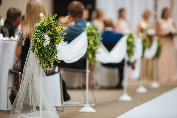 aisle draping Hailey and Hunter | Alyssa Lee Photography | Sixpence Events & Planning | mini wreaths