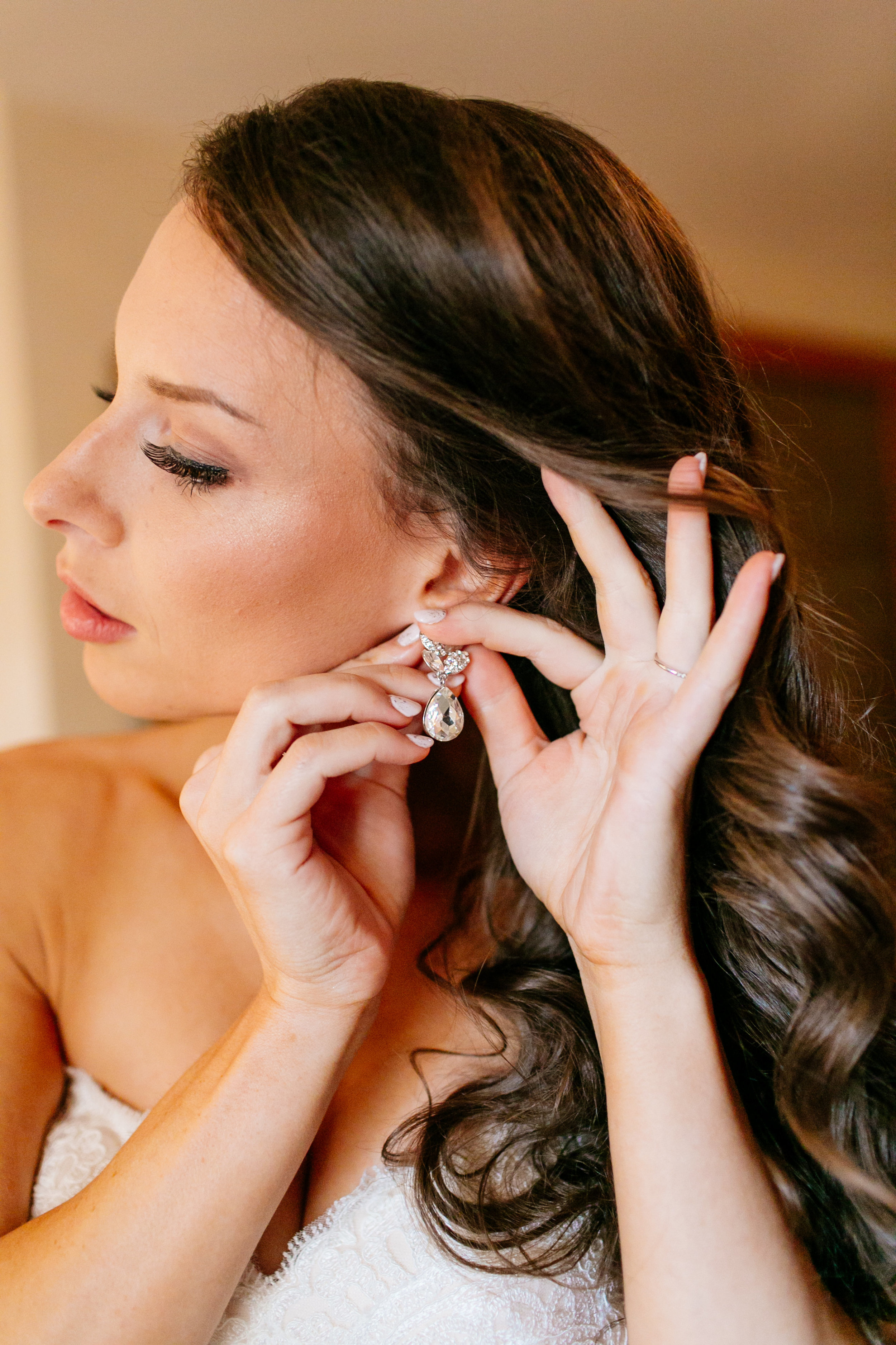 How to Capture Your Getting Ready Photos | Leah Fontaine Photography | Getting ready photos with earring shot
