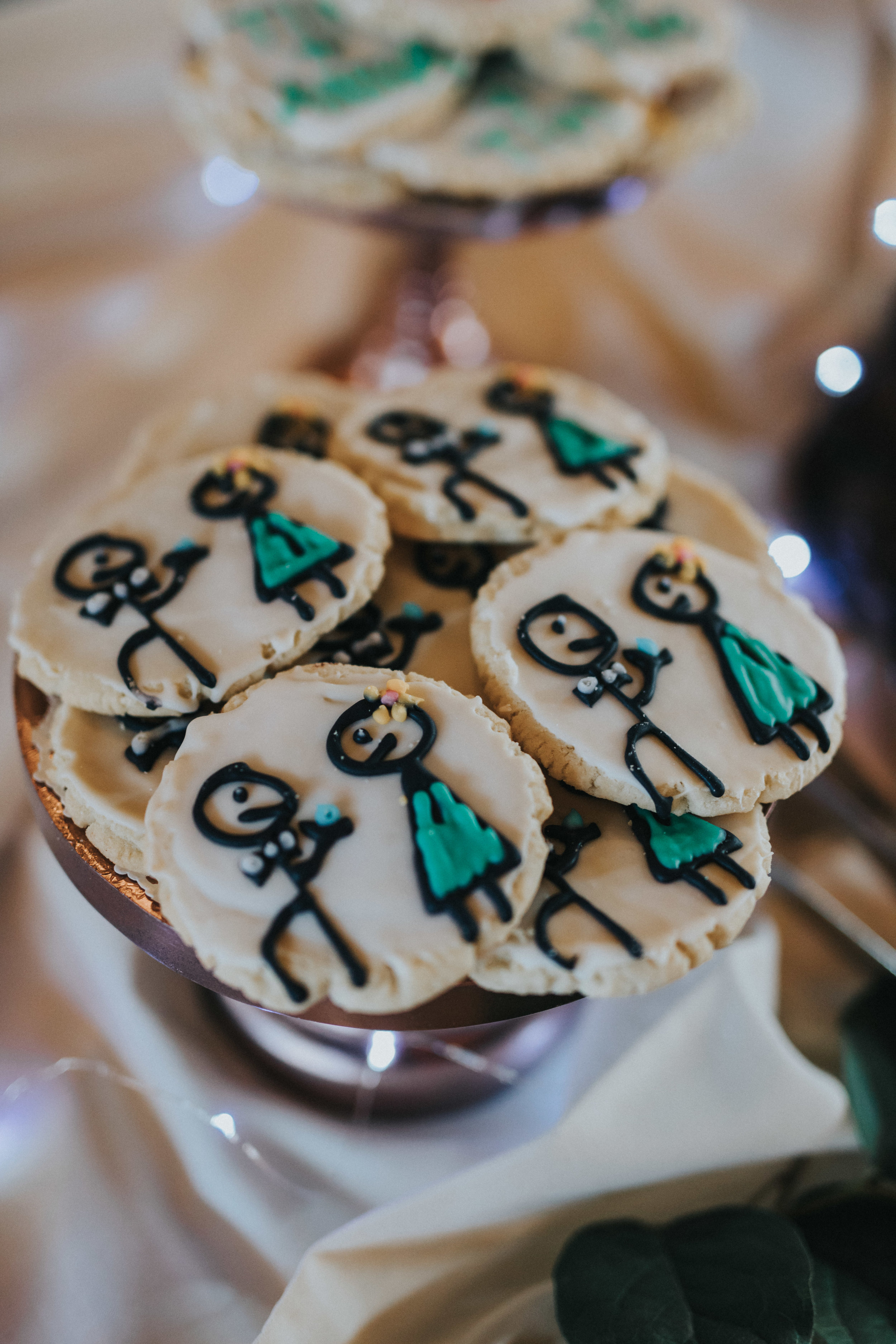 wedding cookies | Russell Heeter Photography :: Minneapolis wedding planner Sixpence Events :: Nicollet Island Pavilion :: april wedding in Minnesota.jpg