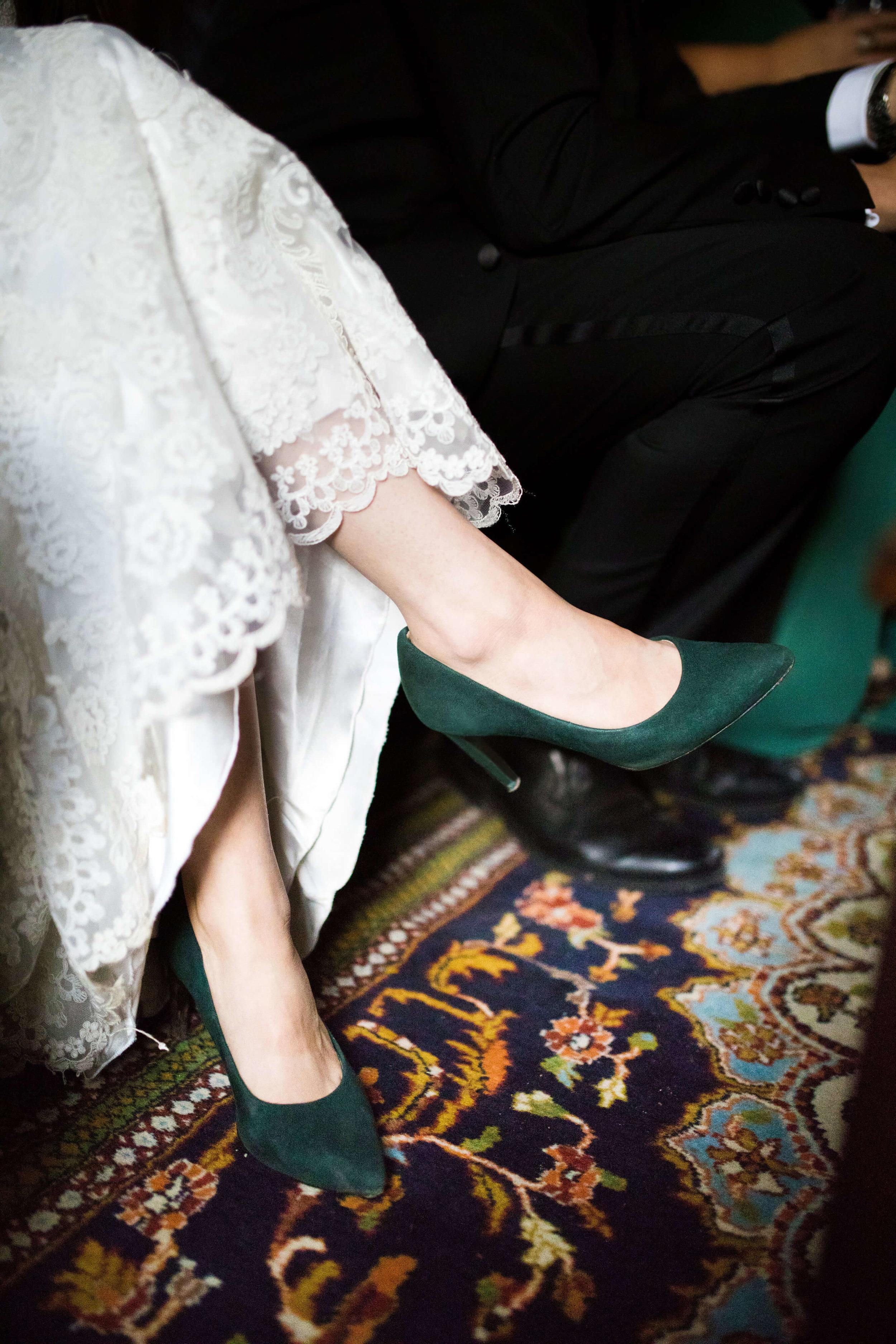 Studio KH wedding photographer | Sixpence Events and Planning, free wedding blog, free wedding help, free wedding advice | green velvet bridal heels