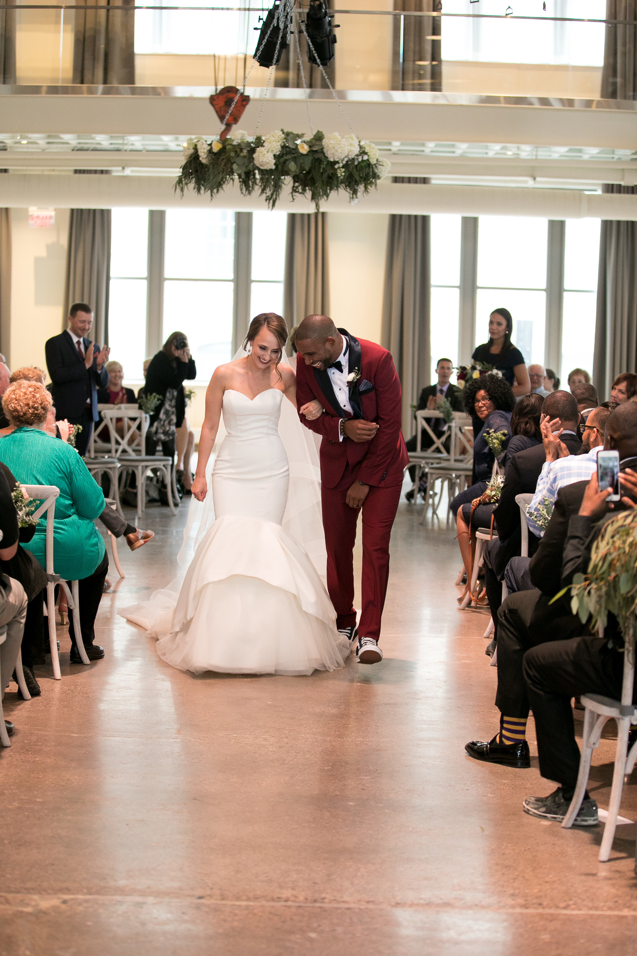just married picture | Alice HQ Photography | Machine Shop Minneapolis | Sixpence Events and Planning wedding planner.JPG