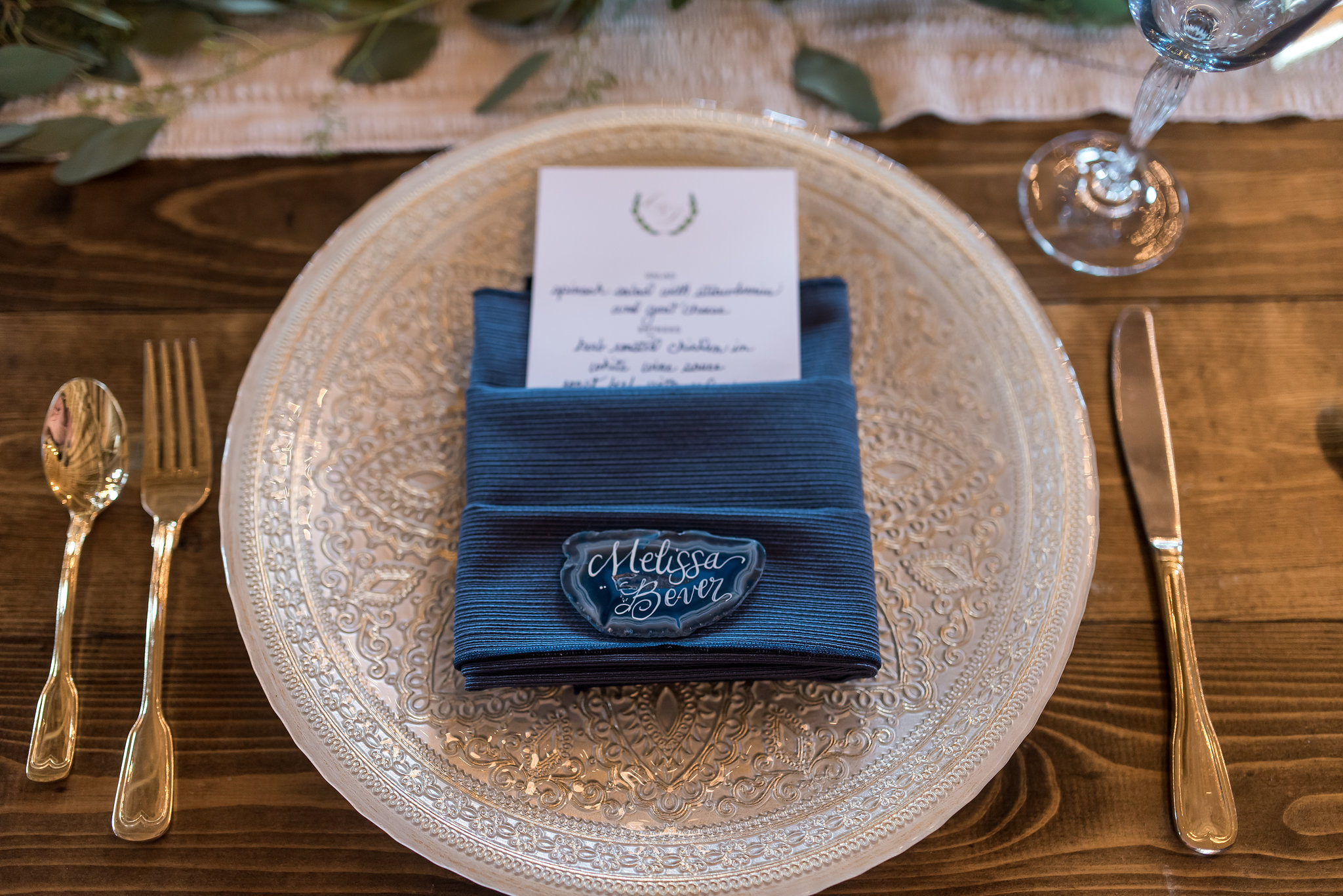 45Kelly Birch Photography :: Bloom Lake Barn :: Sixpence Events Minnesota wedding planner :: A Vintage Touch Weddings :: Brett Dorian.jpg