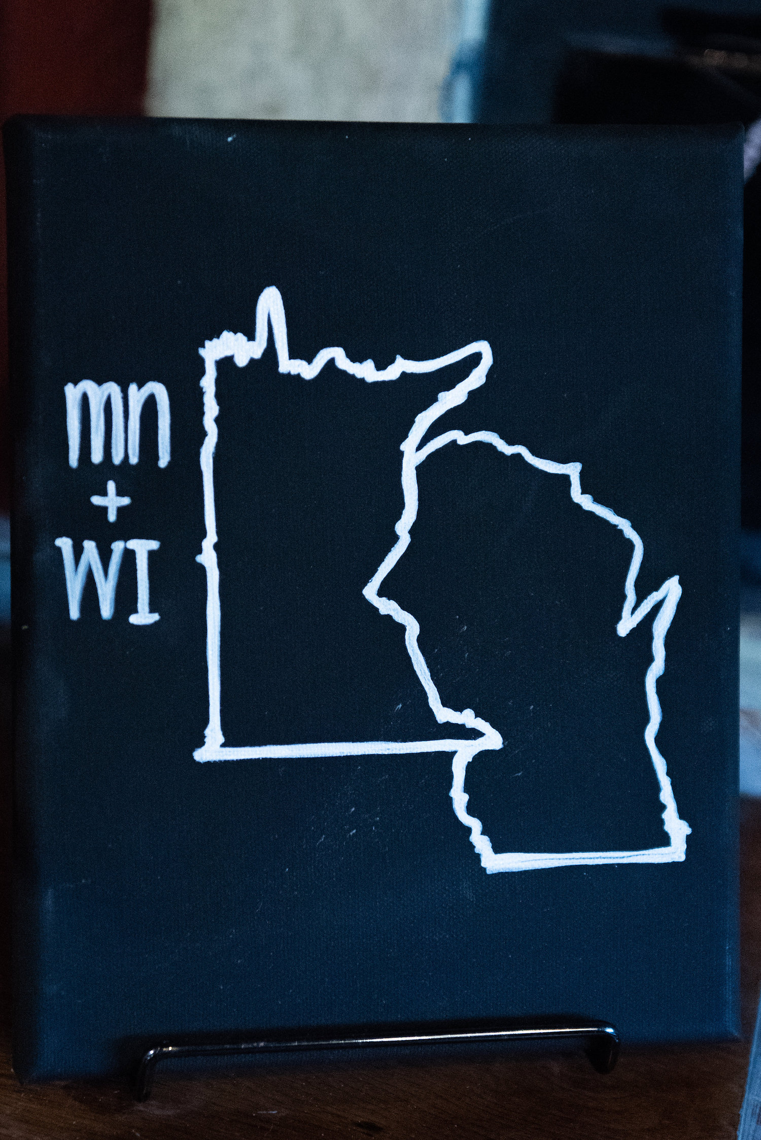 Sarah and Mark | Hope Glen Farm | Kelly Birch Photo | Sixpence Events & Planning wedding planning in Minnesota | mn wi chalkboard sign map