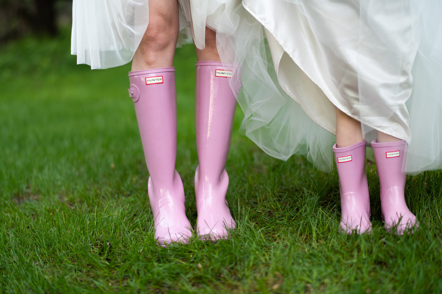 Sarah and Mark | Hope Glen Farm | Kelly Birch Photo | Sixpence Events & Planning wedding planning in Minnesota | matching pink hunter boots bridal