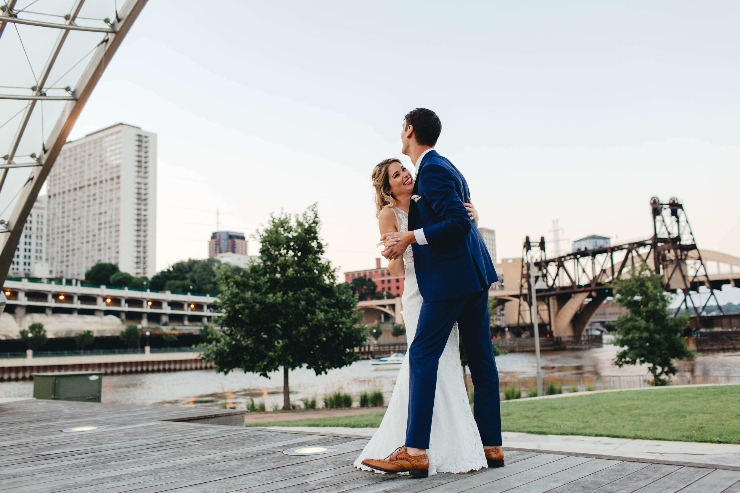 Roy Son Photography | Raspberry Island and Octo Fish bar | Minneapolis wedding planner Sixpence Events | sunset first dance