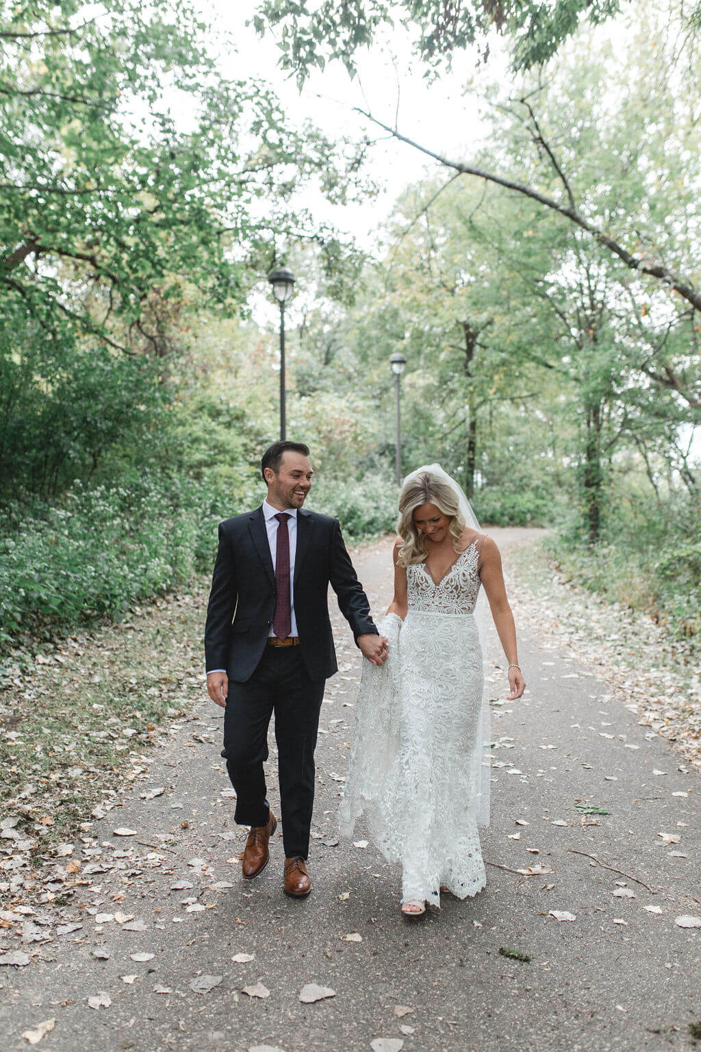 Ashley and Tom | Mariah Brink Photo | Hyland Hills Wedding | Sixpence MN wedding planner | Normandale Lake wedding pictures