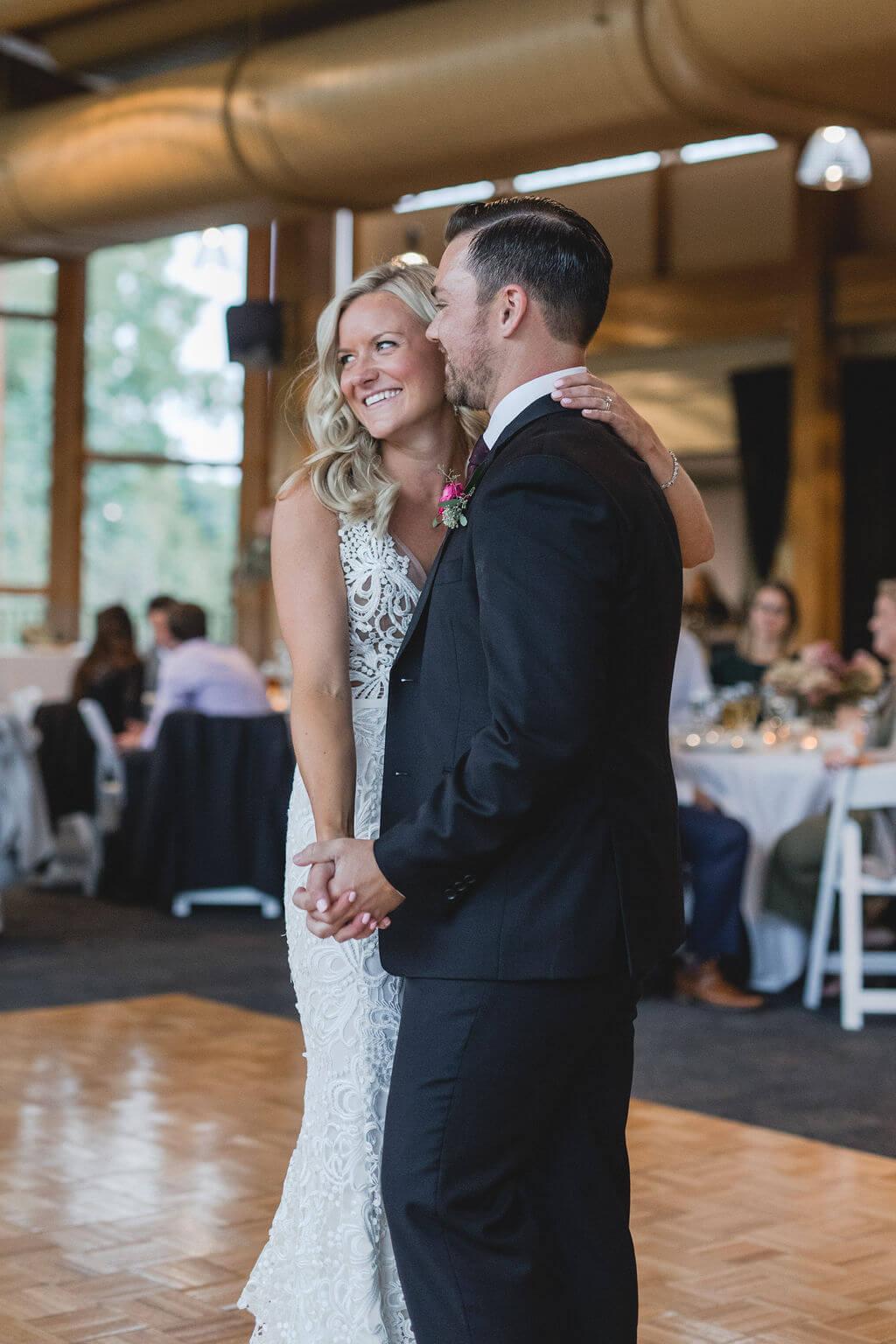 Ashley and Tom | Mariah Brink Photo | Hyland Hills Wedding | Sixpence MN wedding planner | first dance