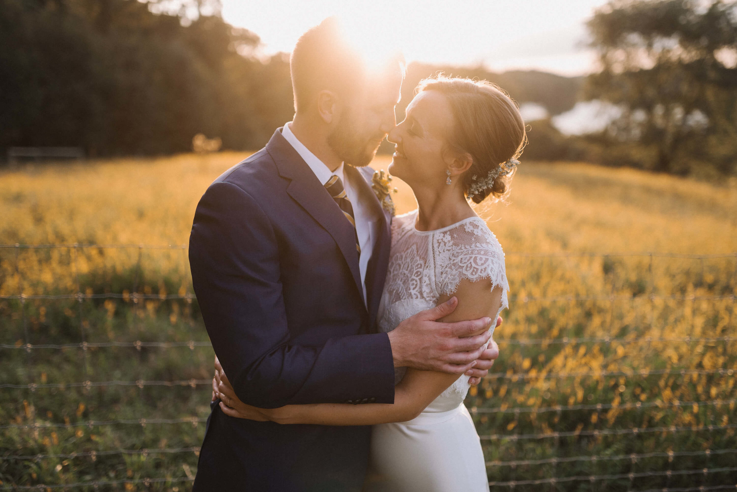 81Jonny and Liz Minnesota Wedding Photographers | Sixpence day of coordinating at Gale Woods farm venue near the lake.JPG