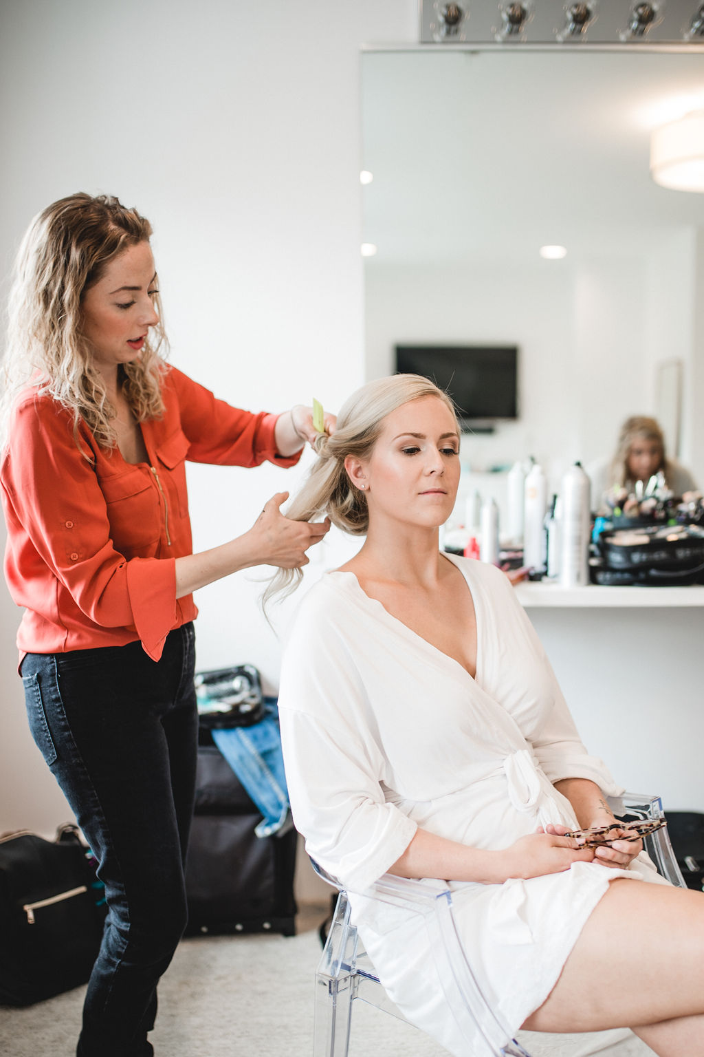 Cristina Ziemer getting ready hair stylist | Kelly and Matt | Hutton House | Aqua Fox Photography | Sixpence Events and Planning Minnesota Wedding Planner24.jpg