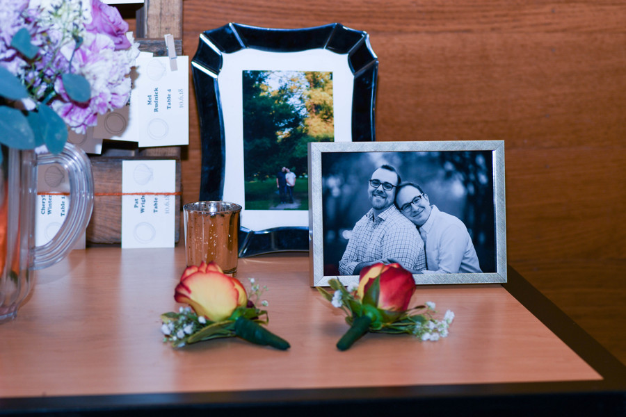 Amy Wurdock Photography Ned Loves Ryan | SIxpence Events Day of Coordinating at Silverwood park | grooms boutonnieres