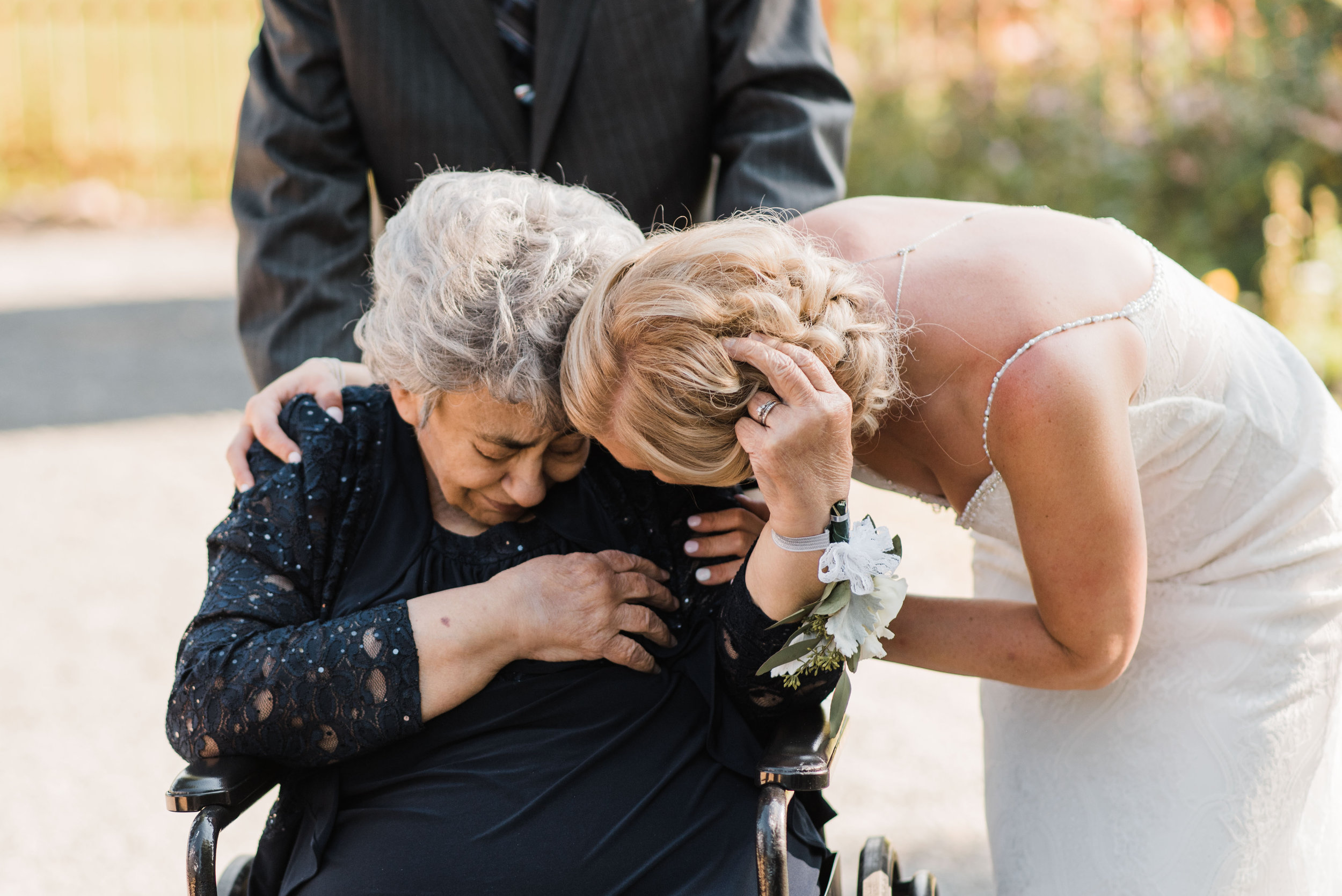Joy by Jo Photography // Sixpence Events and Planning Minneapolis blog post about handicap accessible weddings