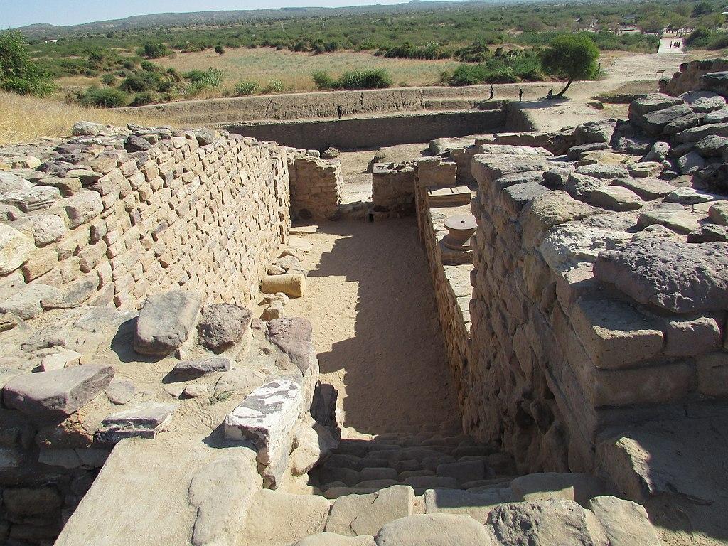 Ruins in Dholavira, photo by Ranjith Kumar Inbasekaran (Wikimedia Commons)