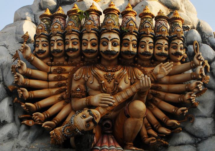 The multi-headed Ravana, king of Lanka (clip of a photo by Gane Kumaraswamy, from Wikimedia Commons)