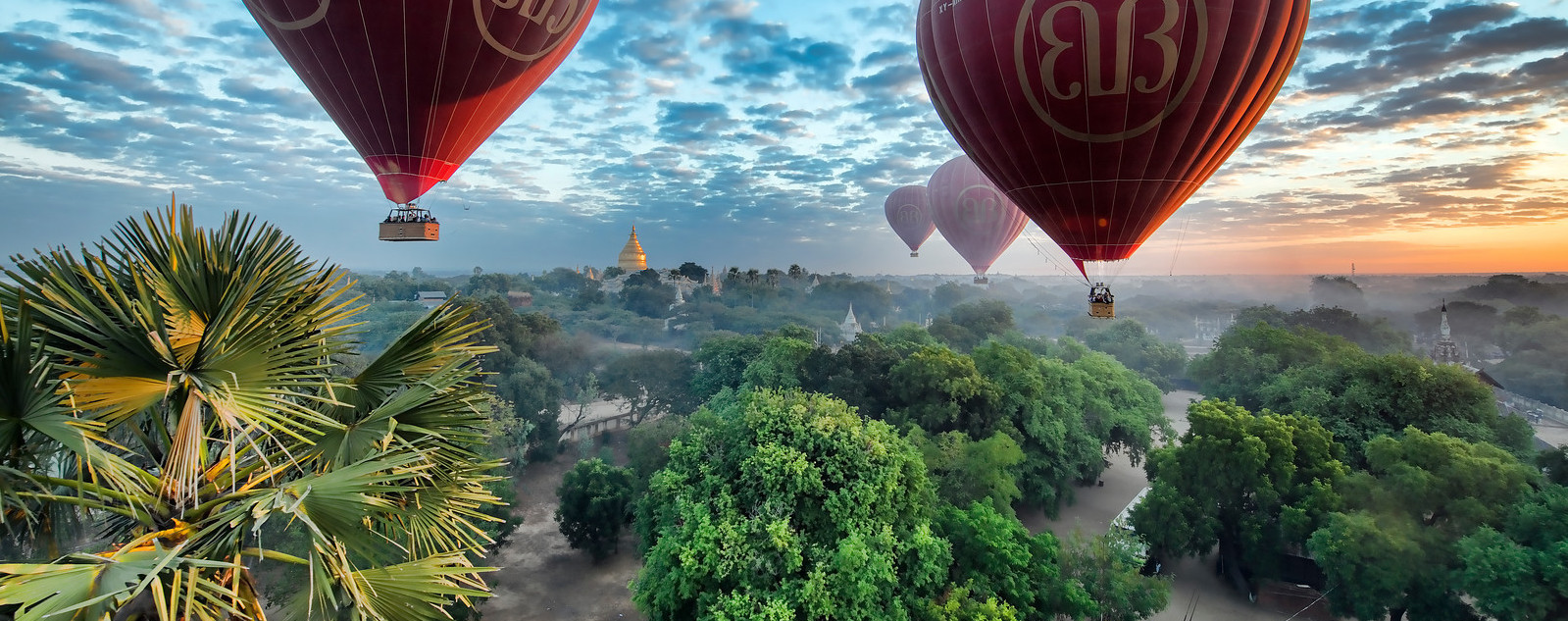 Balloons over Bagan by photographer @ChrisMichel, 7 December 2012, 16:16 (Wikimedia Commons (cropped by RYC)