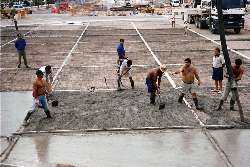 Agora under construction. August 2003