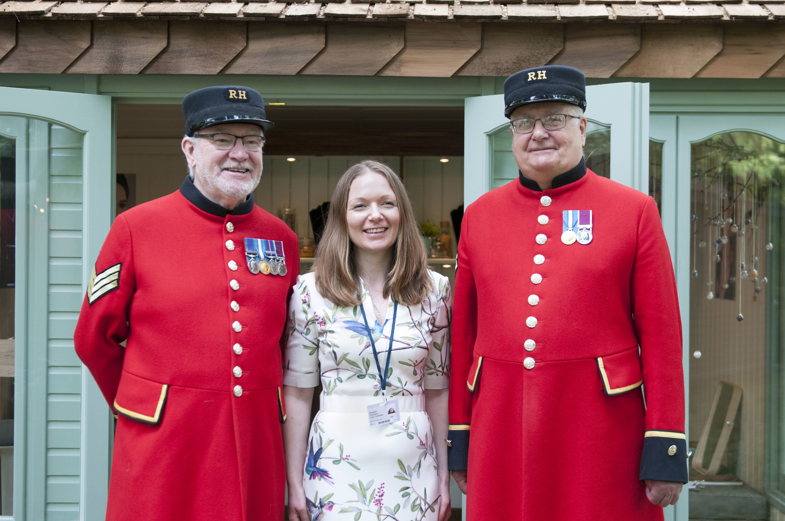 Lizzy Chambers with Chelsea Pensioner 2.jpg