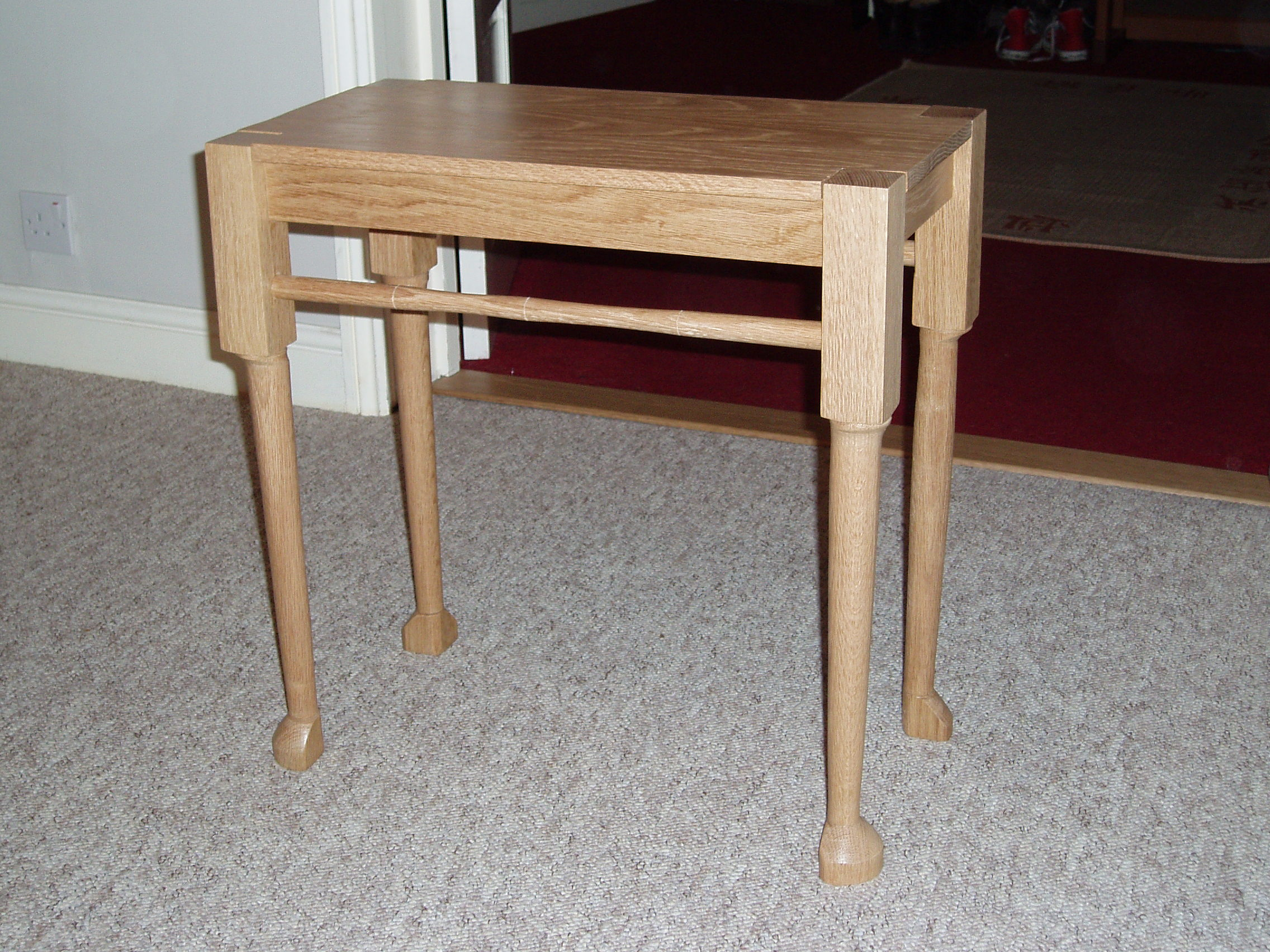 Finished table wide side