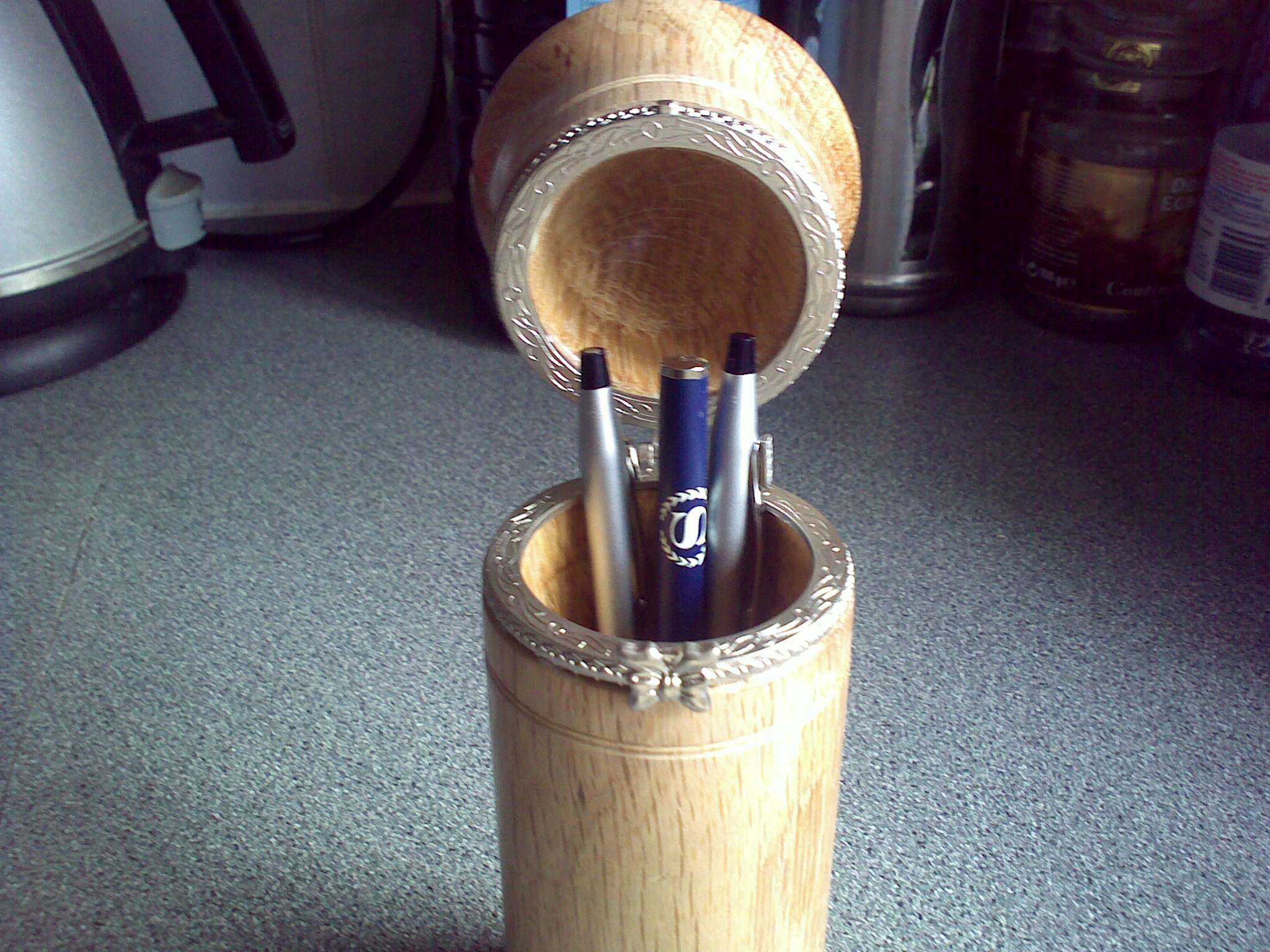 lidded box with pens
