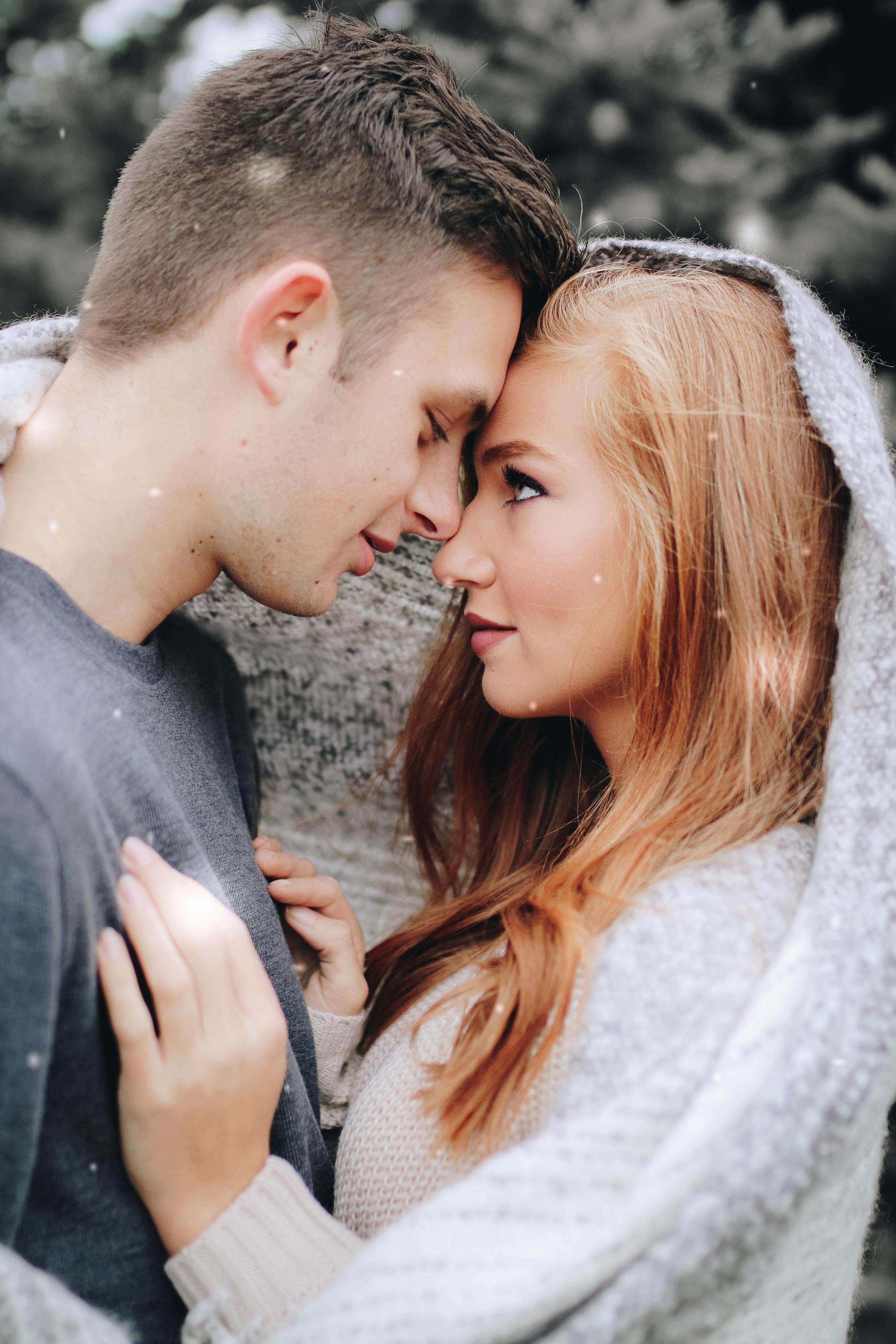 Jenna&Jake snow-15.jpg
