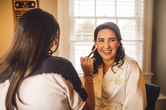 3/3. Our glowing bride feeling confident 👰.