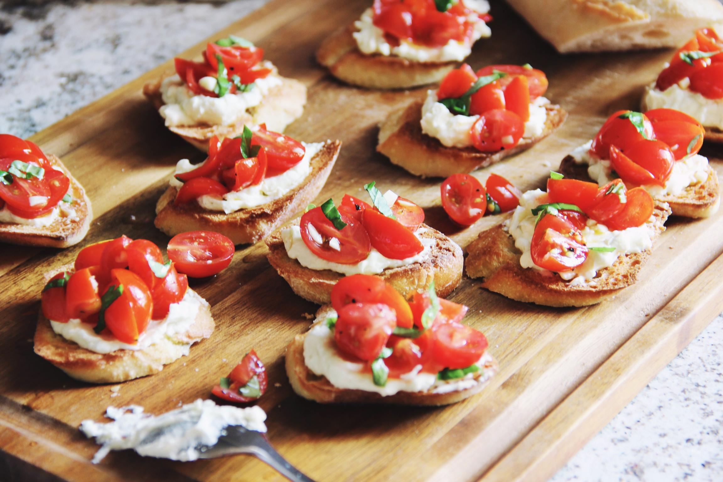 Easy entertaining - tomato and creamed feta crostini - The Pastiche