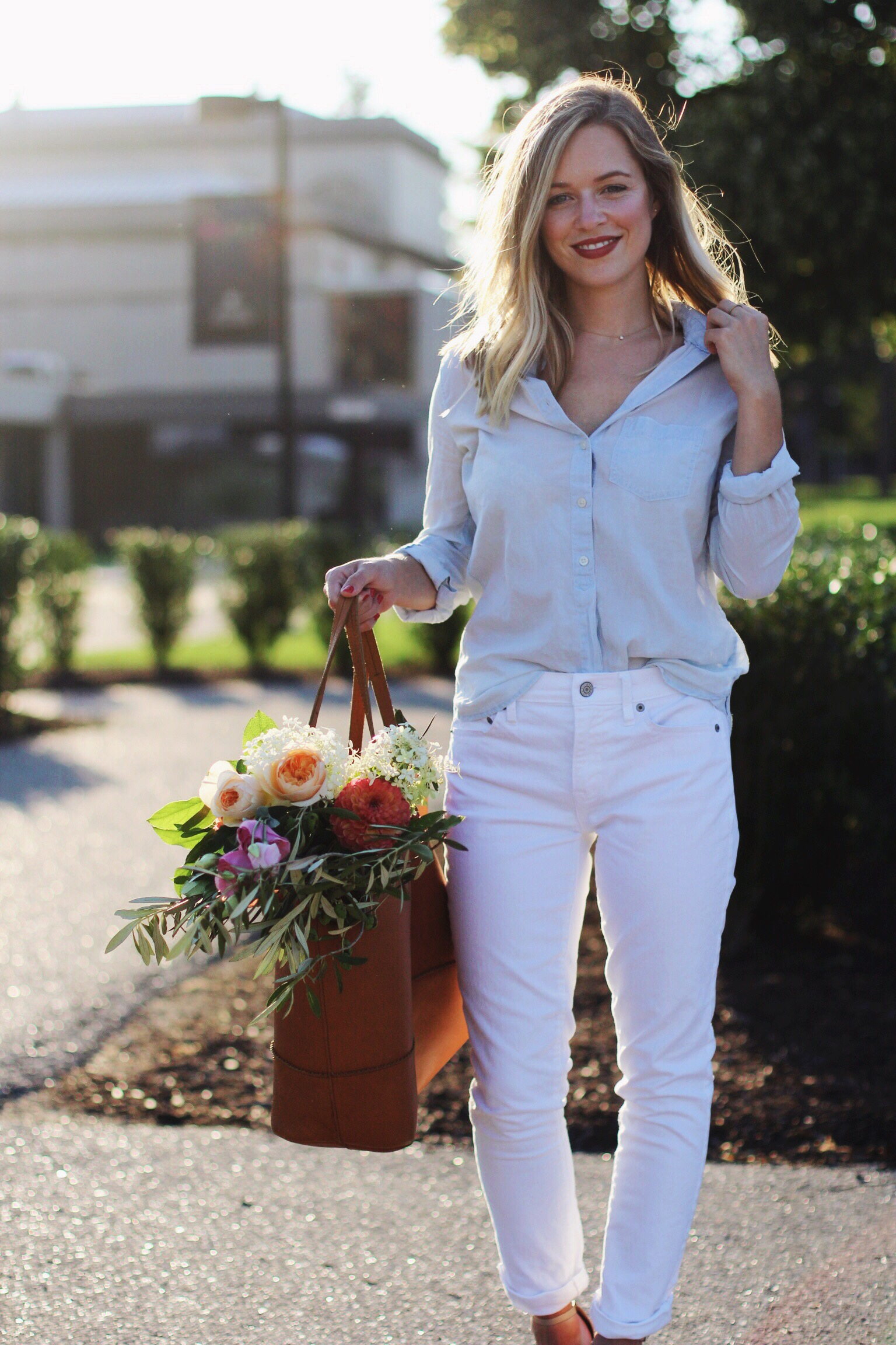 White jeans for fall Capsule - The Pastiche