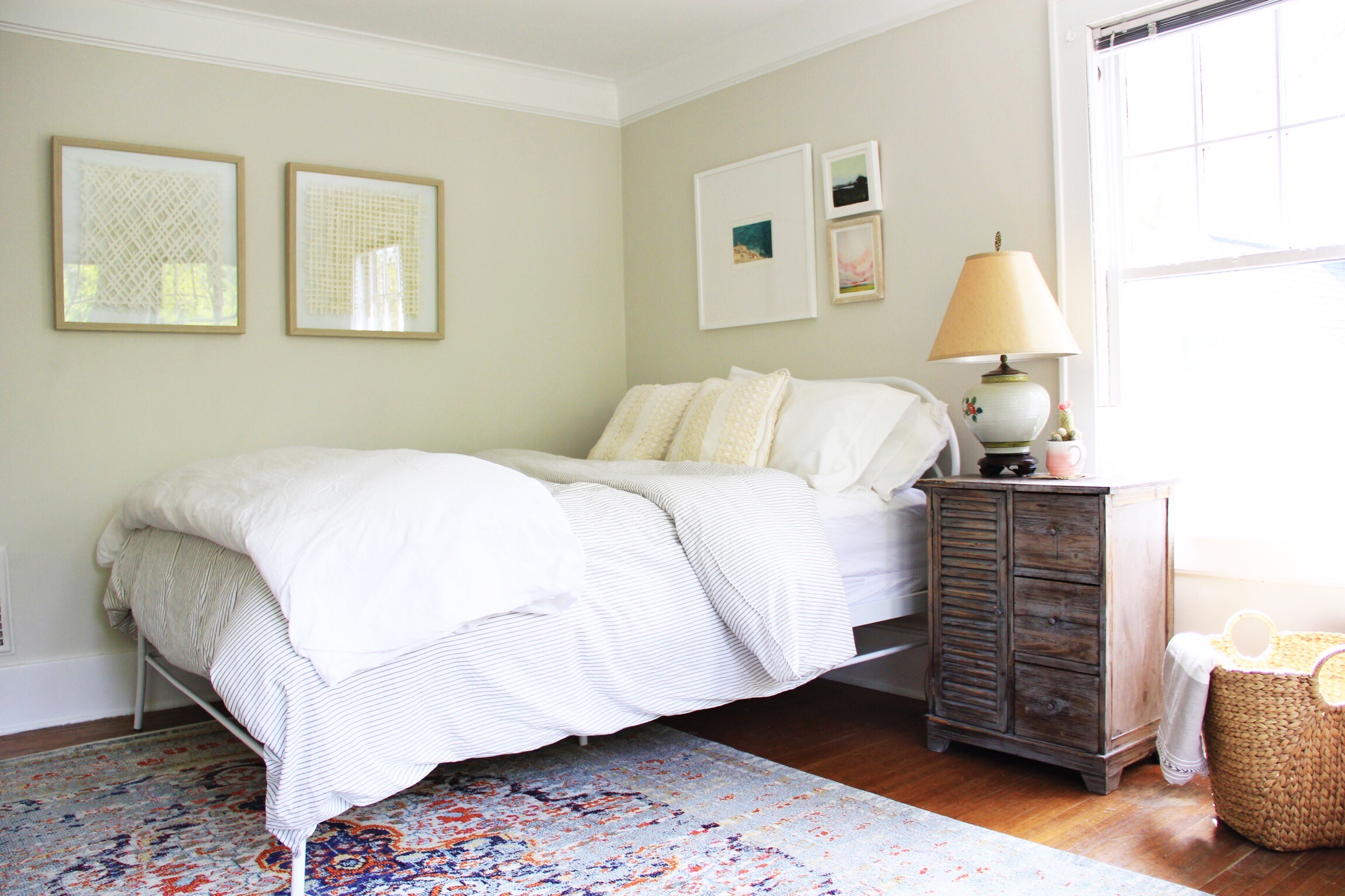 A warm, Bohemian guest bedroom