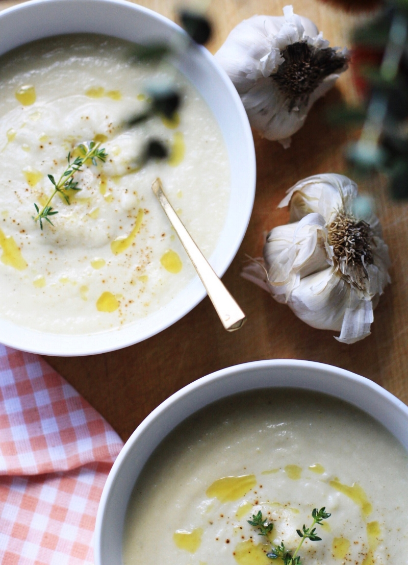 Cauliflower soup with roasted garlic and truffle oil