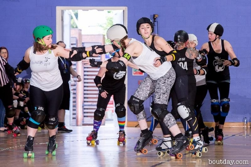 Scientists Stargrazer & Bambo taking on the magical Jess Little. Photo courtesy of Dave McAleavy, boutday.com.