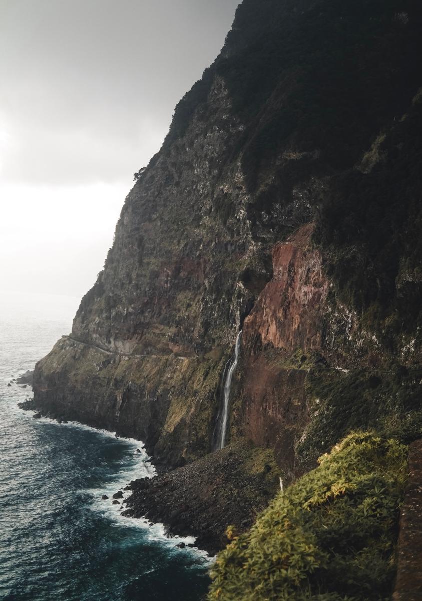 Wasserfall_Küste.jpeg