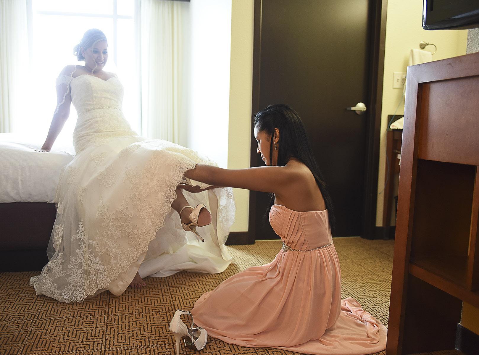 Sugar Land Wedding bride getting ready