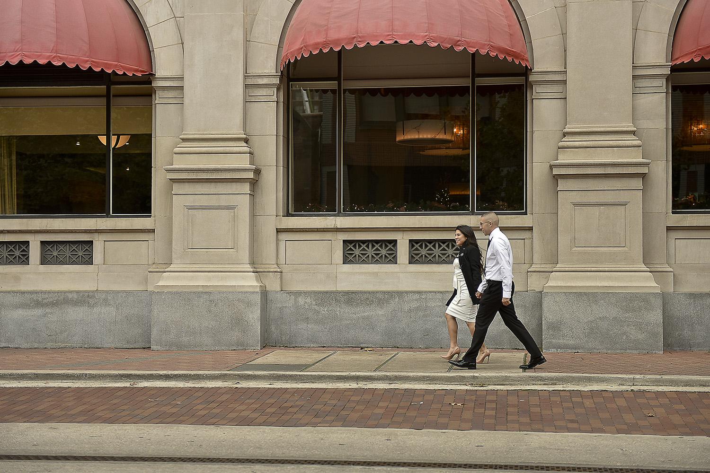 Marketsquare-engagement-romantic-downtown-lifestyle-modern-photographer
