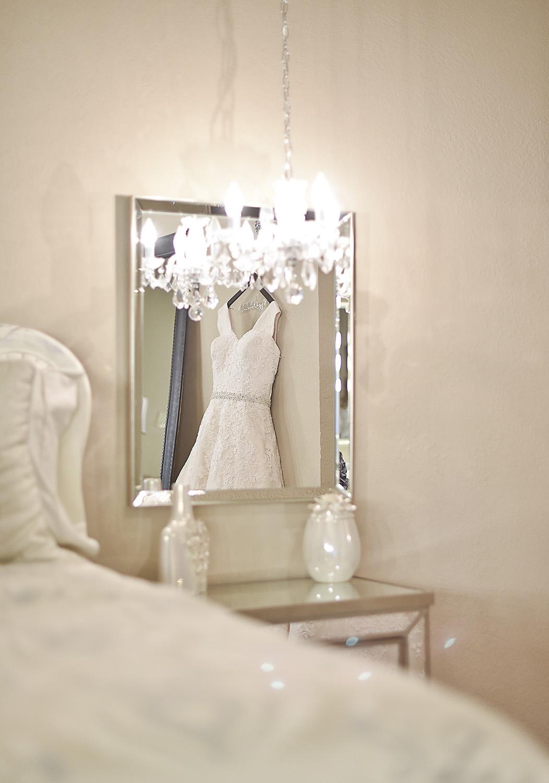 houston-wedding-venue-moffitt-oaks-bridal-dress-tomball