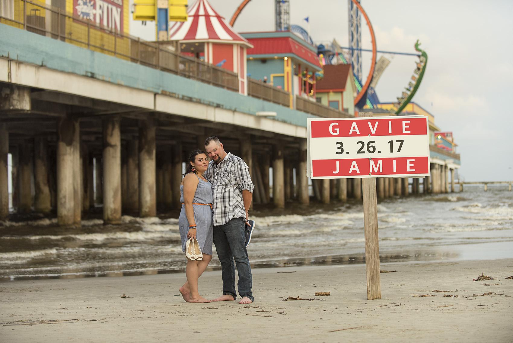 galveston beach pleasure pier creative fun modern egnagement photography