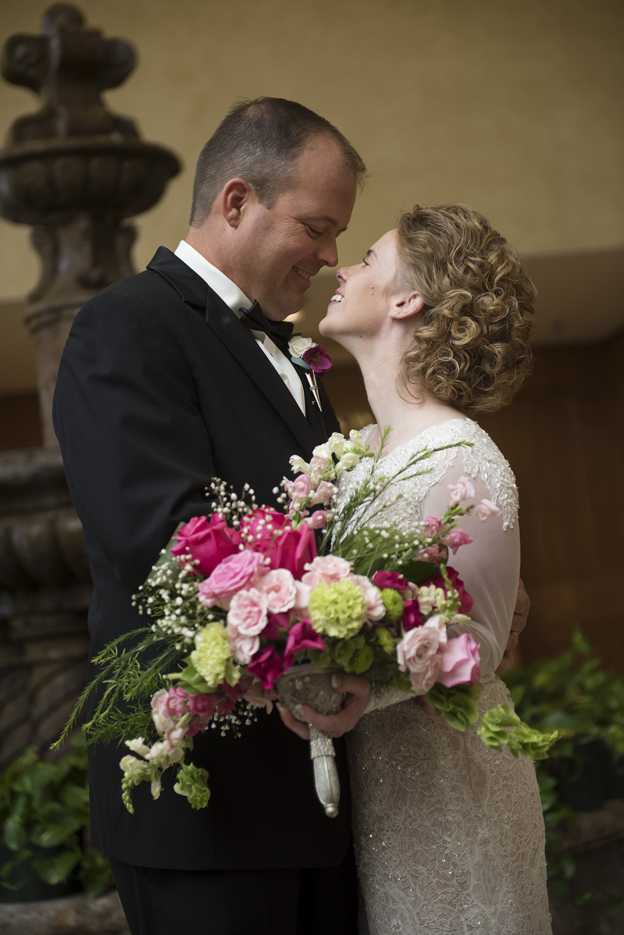 Houston-fine-art-romantic-elegant-wedding-photography-Laura_Tyson_Wedd_299.jpg