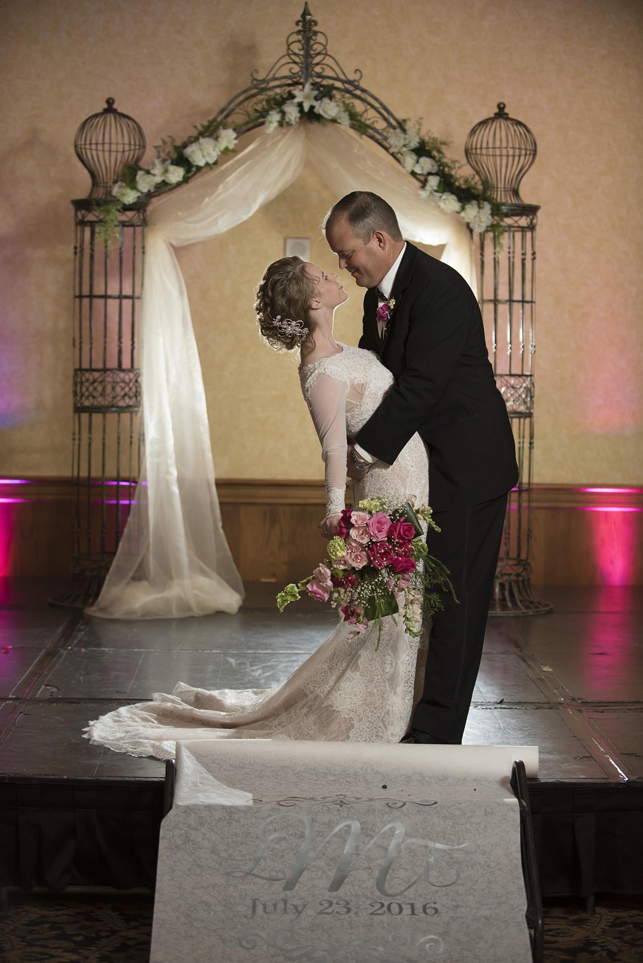 houston-beaumont-modern-classy-wedding-photography-Laura_Tyson_Wedd_308.jpg
