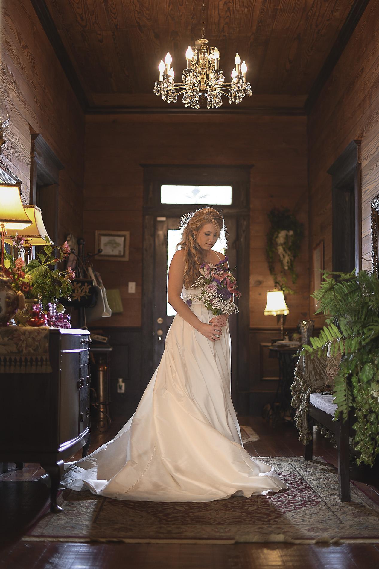 Oak-tree-manor-top-rated-houston-classy-wedding-venue-photo-1