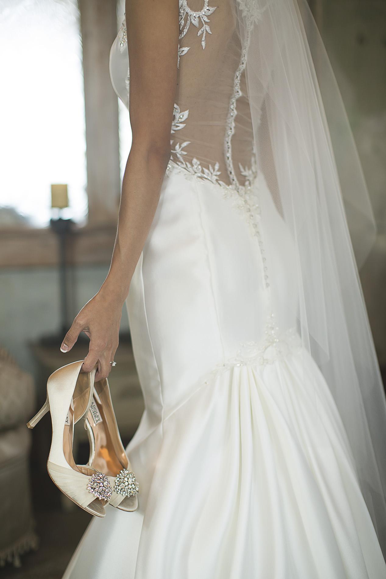 Houston-venue-Olde-Dobbin-Station-Romantic-Classic-Wedding-Photographer-011.jpg