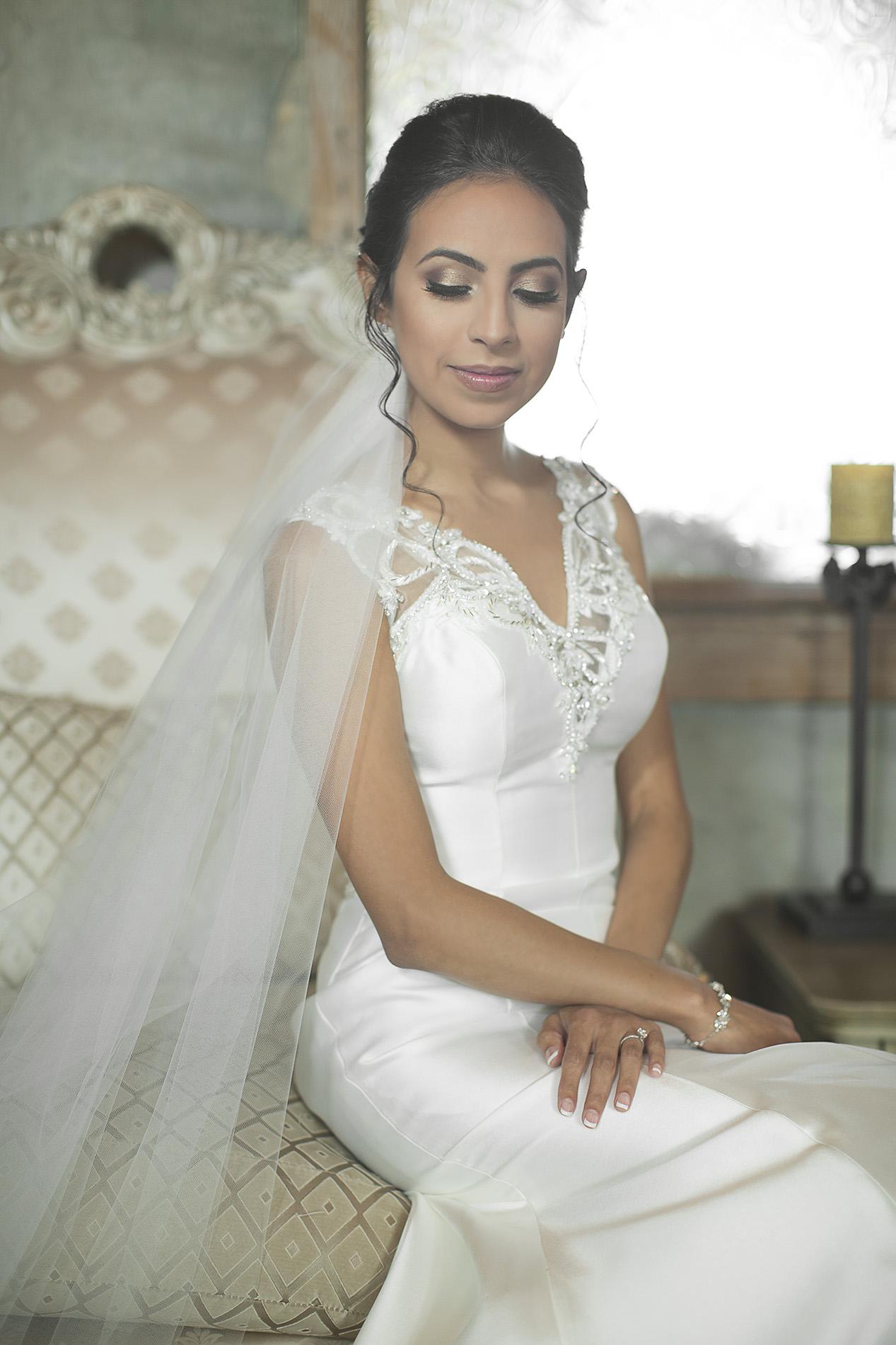Houston-venue-Olde-Dobbin-Station-Romantic-Classic-Wedding-Photographer-016.jpg