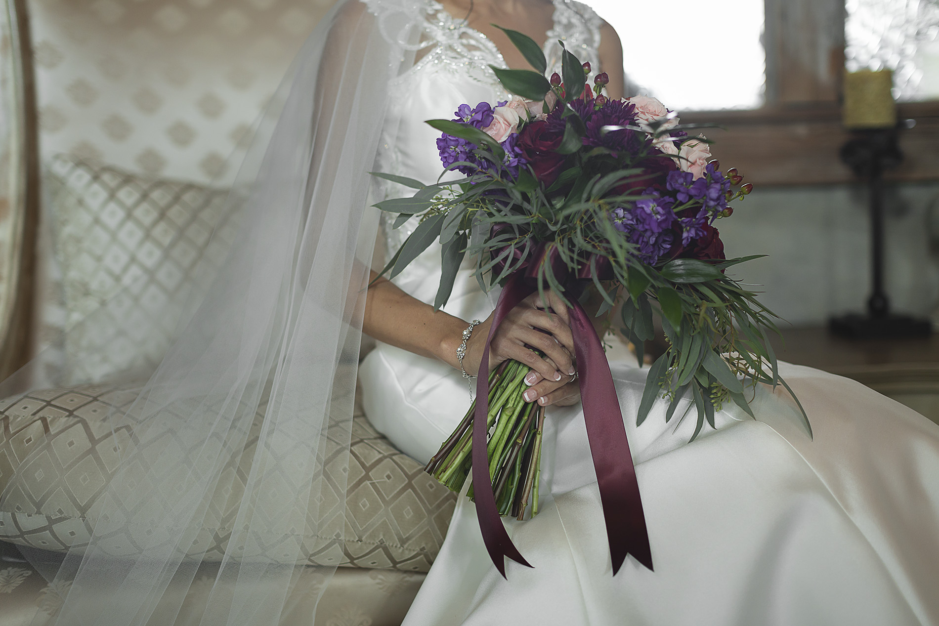 Houston-venue-Olde-Dobbin-Station-Romantic-Classic-Wedding-Photographer-019.jpg