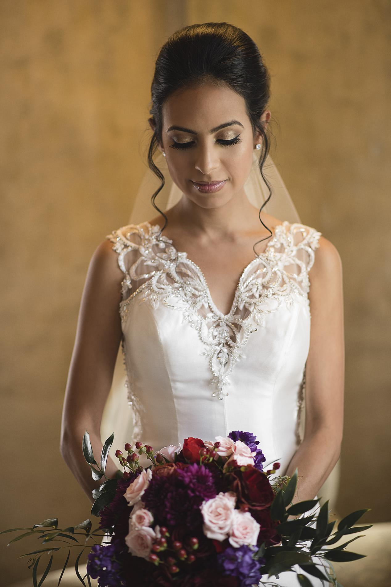 Houston-venue-Olde-Dobbin-Station-Romantic-Classic-Wedding-Photographer-023.jpg
