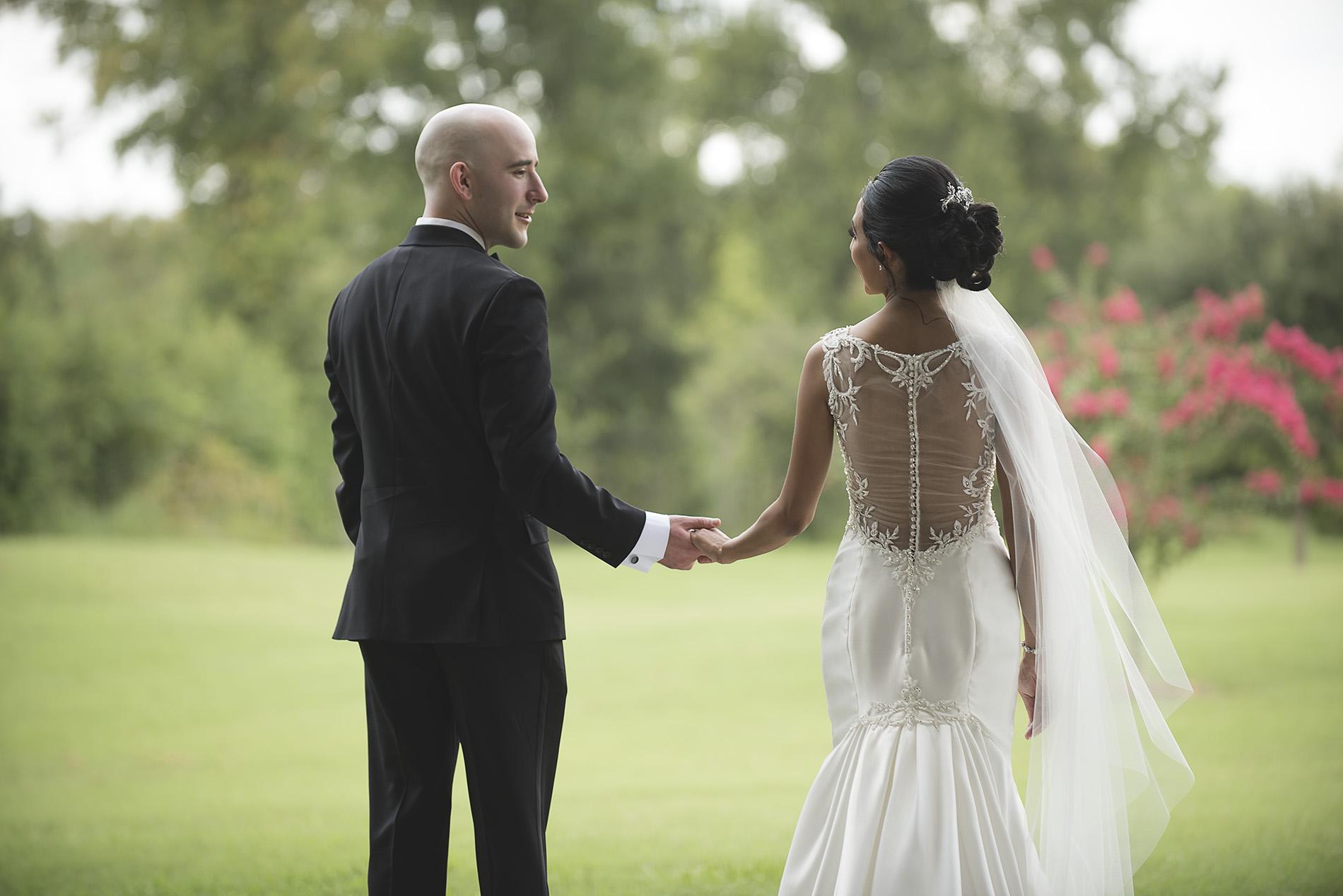 Houston-venue-Olde-Dobbin-Station-Romantic-Classic-Wedding-Photographer-029.jpg
