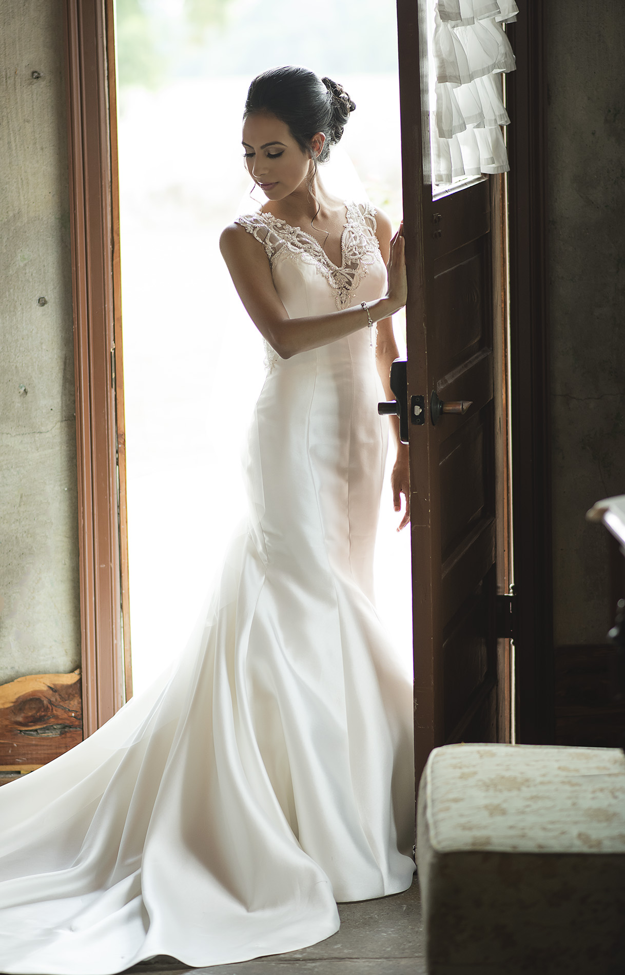 Houston-venue-Olde-Dobbin-Station-Romantic-Classic-Wedding-Photographer-036.jpg