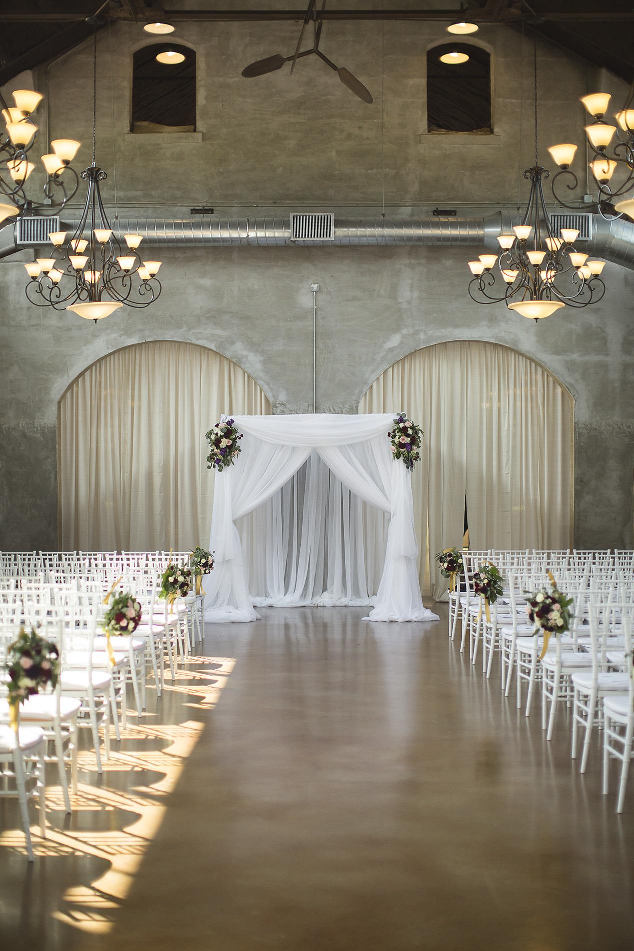 Houston-venue-Olde-Dobbin-Station-Romantic-Classic-Wedding-Photographer-038.jpg