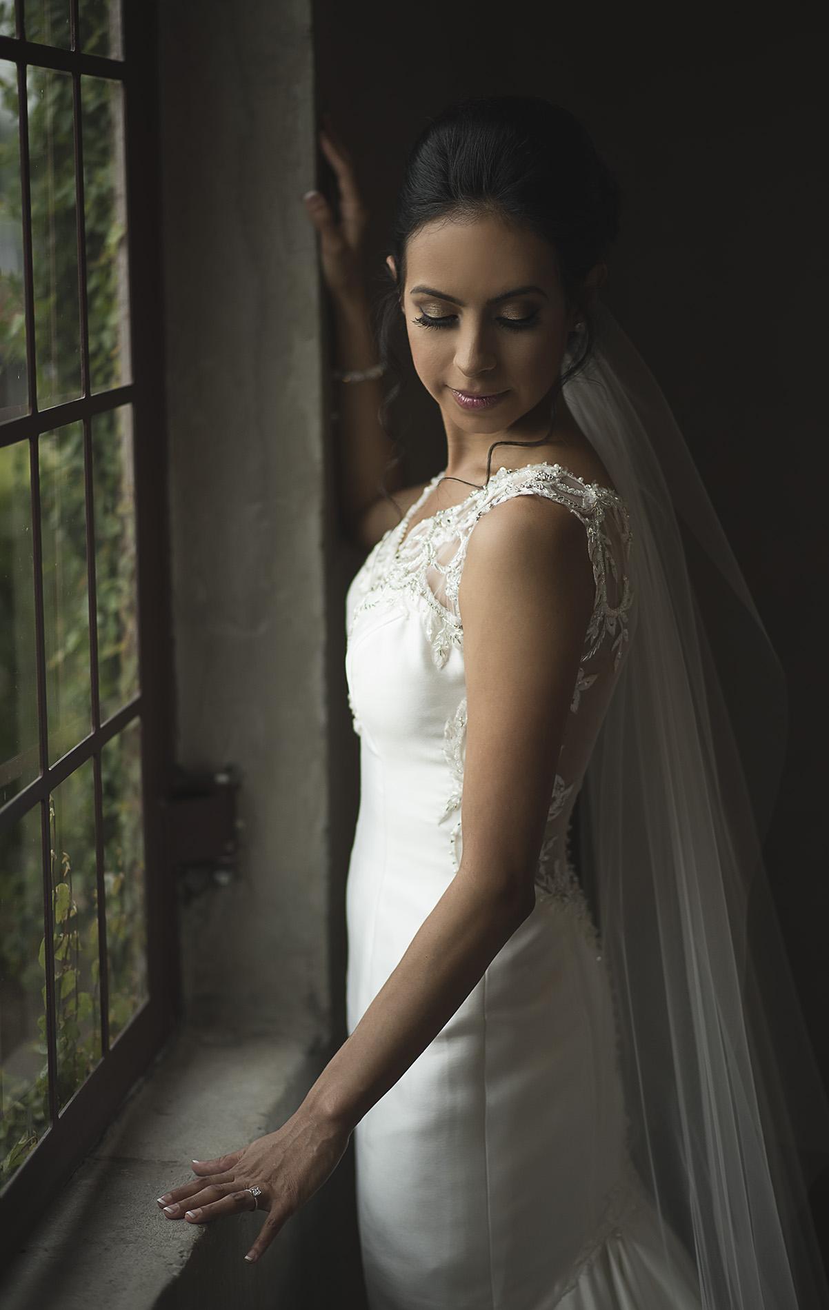 Houston-venue-Olde-Dobbin-Station-Romantic-Classic-Wedding-Photographer-044.jpg